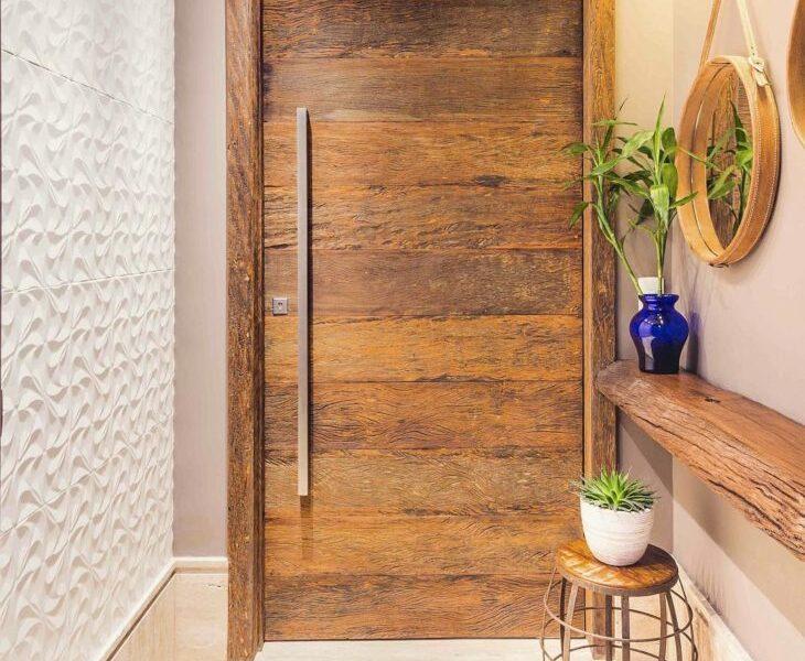 portas-de-entrada-de-madeira-38-730x691